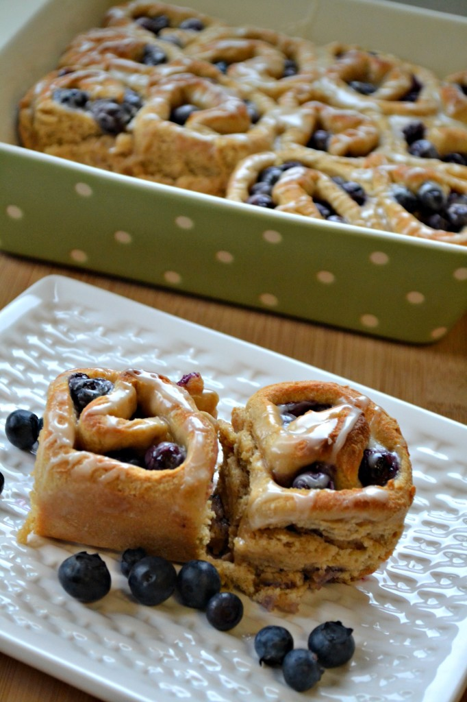 Fresh Blueberry Breakfast Rolls Recipe