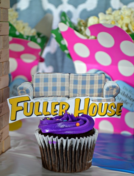 Fuller House couch cupcake toppers
