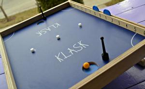 Klask-game-board