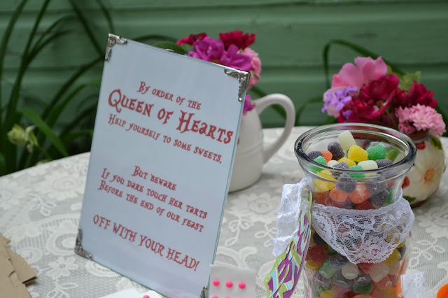 DIY candy buffet make signs