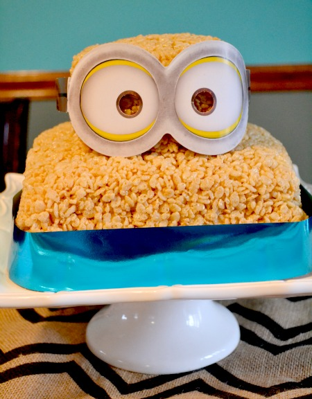 simple minion rice crispie cake