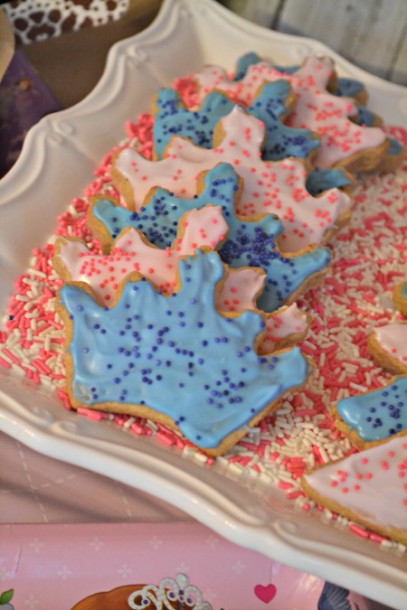 Simple princess party ideas, inspired by Sophia the First. Tiara cookies fit for a queen.
