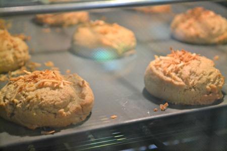 vanilla cookies oven