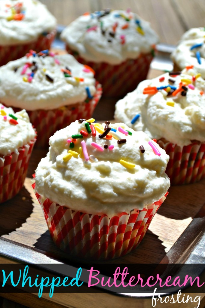 whipped buttercream frosting cupcakes